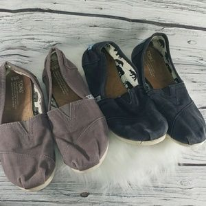 2 pairs Toms slip on canvas boat shoes flats 8.5